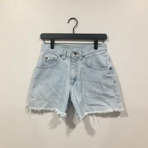 Vintage Lee Cuttoff Mom Denim Shorts